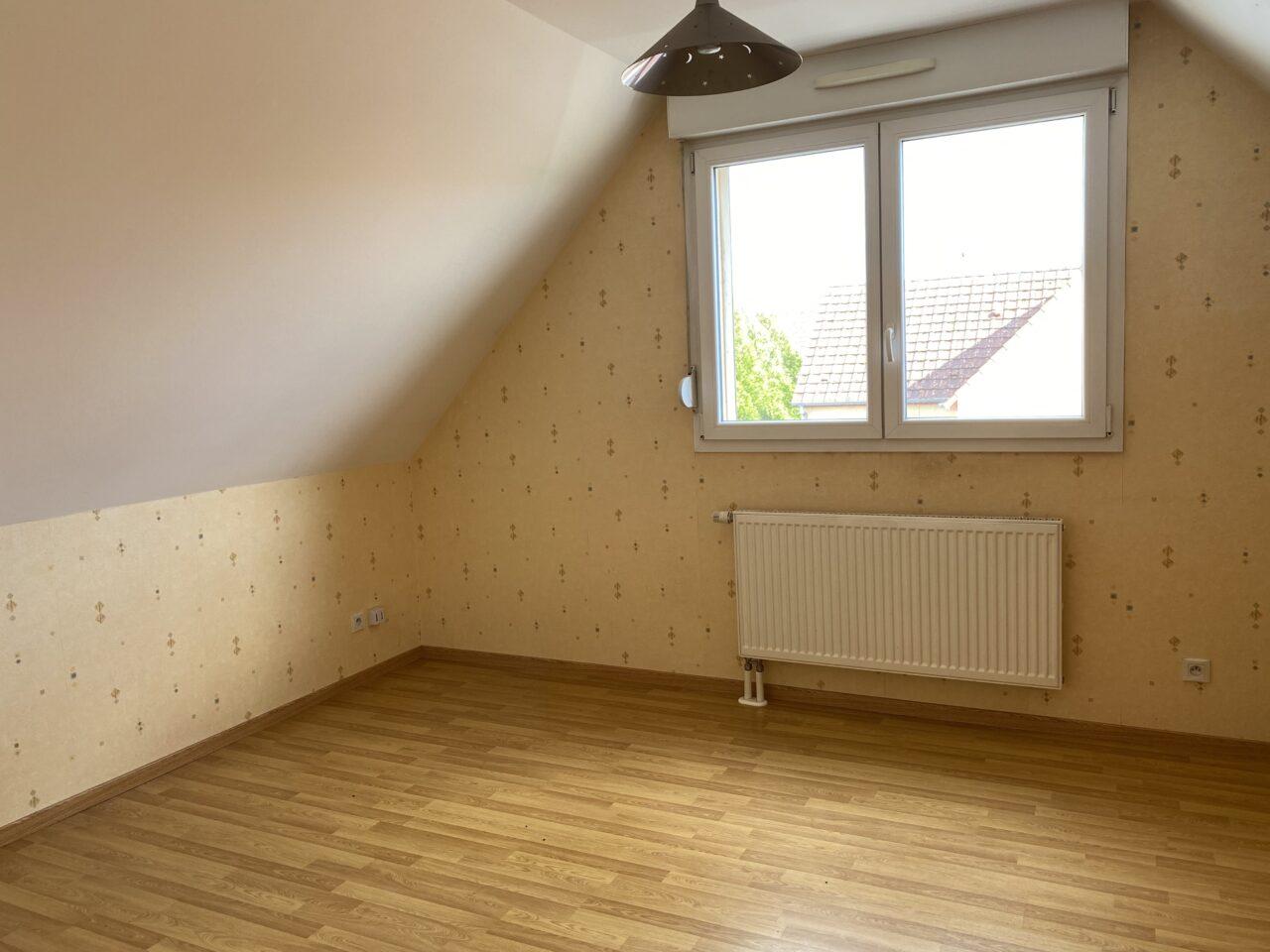 Rountzenheim duplex 5 pièces 91m2 terrasse garage. Vidéo disponible