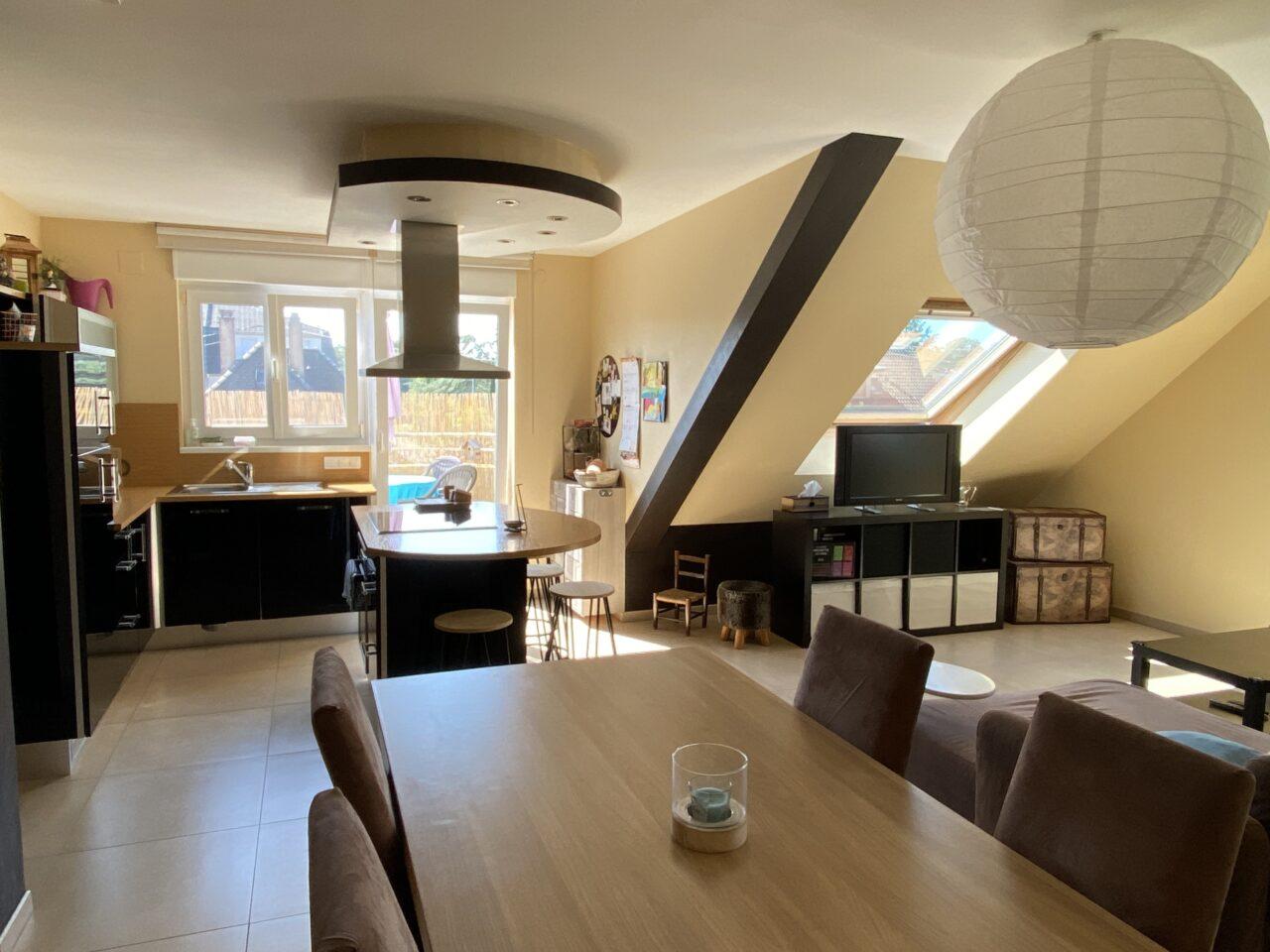 Haguenau, très bel appartement, 5 pièces, situé au dernier étage