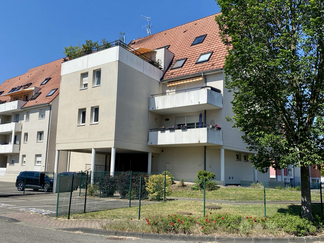 Haguenau très beau F4, 77m2, grande terrasse, garage, parking. VIDEO