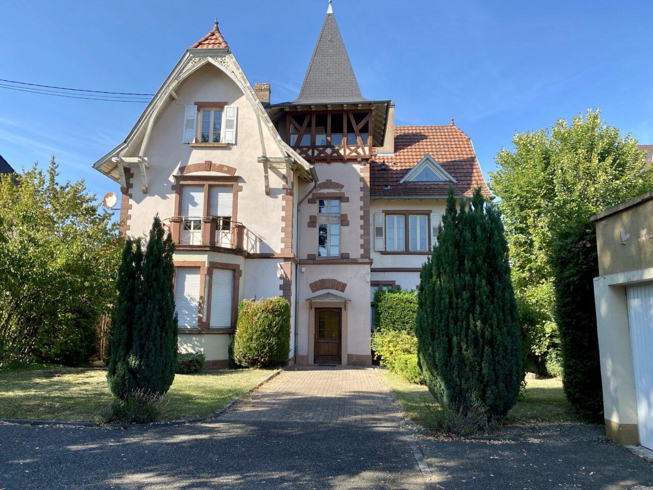 Haguenau, grand 4/5 pièces avec jardin, 2 garages, proche gare